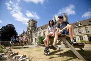 Live Language School Viajes de estudios Ingles
